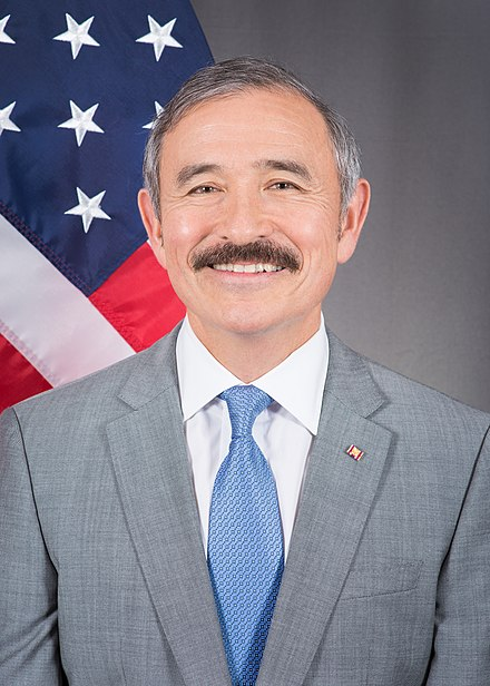 DR - Fiche Wikipedia du diplomate