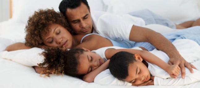 Couple avec enfants : l'importance du partage des tâches sur la vie sexuelle