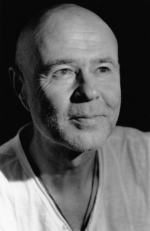 Michel Roulleau est Président de Michel Roulleau SAS et ancien directeur général adjoint du groupe Galeries Lafayette