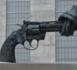 Une vingtaine de morts dans deux fusillades ravivent le débat sans fin des armes aux États-Unis