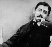 Découverte d'un film de mariage avec Marcel Proust comme invité