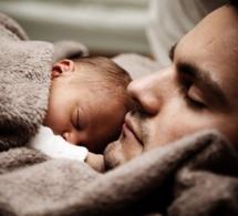 Congé paternité supplémentaire pour les pères de bébés prématurés ou hospitalisés