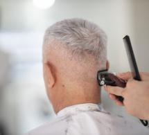 Oui, stresser accentue le blanchiment des cheveux