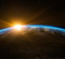 Space X cherche quatre touristes spatiaux d'ici 2022